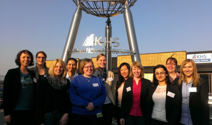 Teilnehmerinnnen des Projektes female.2.enterprises der TU Dortmund zu Gast bei KHS