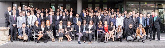Gruppenfoto Ausbildungsabschluss 2015