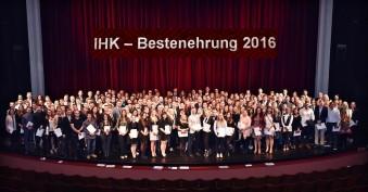 Feier in der Deutschen Oper am Rhein (c) Paul Esser