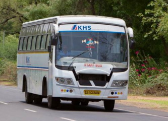 Busshuttle_KHS India_Bild im Text