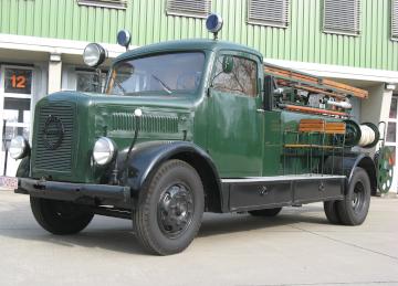 Historisches Tanklöschfahrzeug